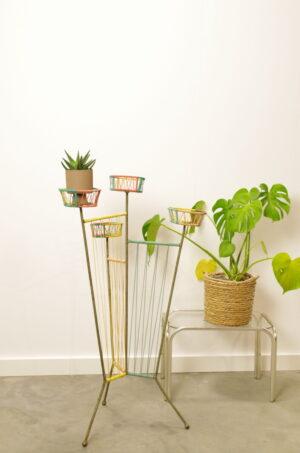 Vintage plantenrek kleur, kunststof met staal