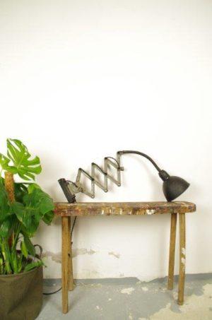 Vintage oude schaarlamp zwart-grijs