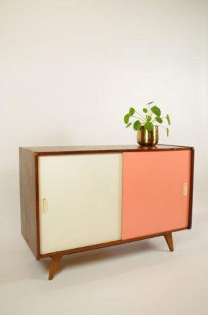 Vintage design kast Jiri Jiroutek, roze-wit