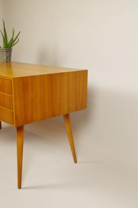 Vintage bureau met lades