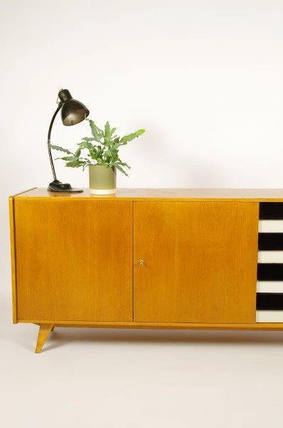 Vintage design dressoir Jiri Jiroutek, zwart wit