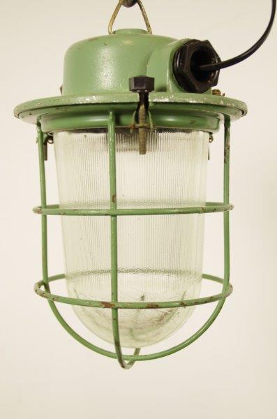 Industriële kooilamp groen