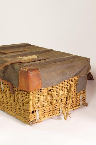 Vintage rotan mand met leer | Koffer