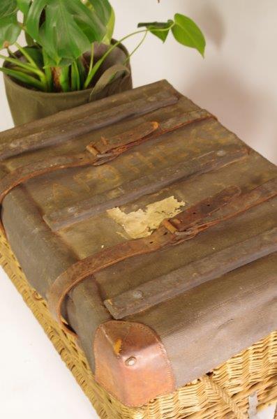 Vintage rotan mand met leer   Koffer