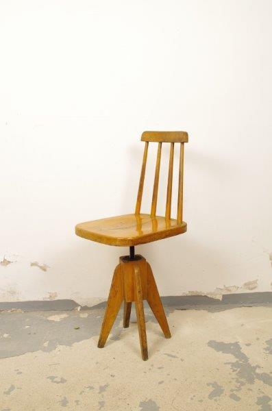 Vintage houten werkplaats stoel