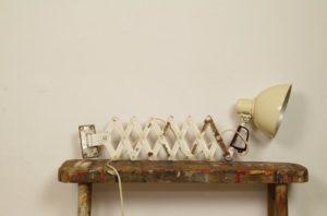 Vintage schaarlamp wit beige | wandlamp