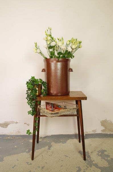 Grote oude bruine aardewerk pot | Bloempot