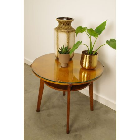 Vintage fineer salontafel met glas Interieur Praha