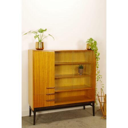 Vintage design fineer vitrinekast Mezulanek, wandkast, highboard.