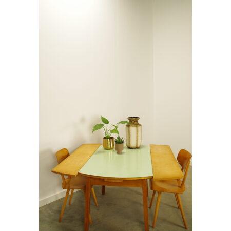 Vintage houten eettafel uitschuifbaar met mintgroen formica blad
