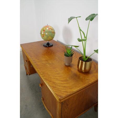 Vintage fineer bureau met kastjes en lade, gebogen poten