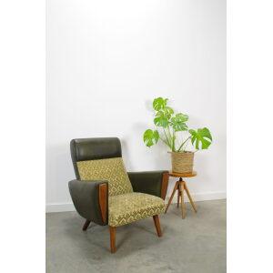 Vintage jaren 60 fauteuil groen en houten details, oude vintage stoel