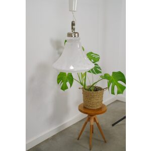 vintage melkglas hanglamp met chromen details